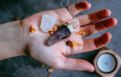 How do crystals really work? feature image